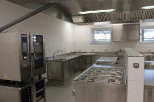 Die Küche in Mazerulles auf dem St. Johanneshof